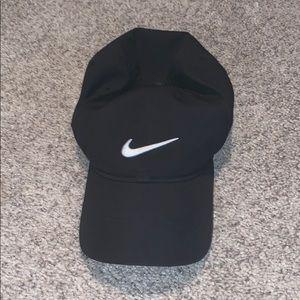 Nike pro hat